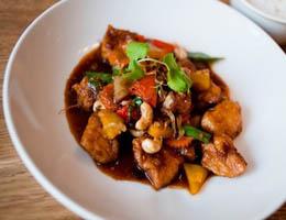 Куриное соте с шиитаке и побегами бамбука - рецепт