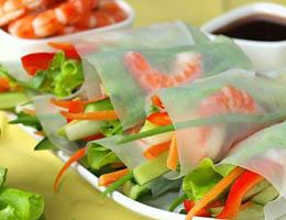 Конвертики из рисовой бумаги с креветками и овощами - рецепт