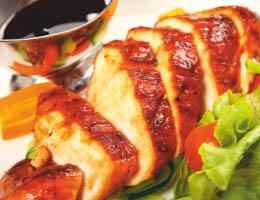 Куриное филе приготовленное с соусом шрирача