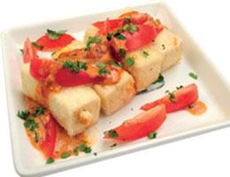 Агэ тофу с томатно-имбирным соусом